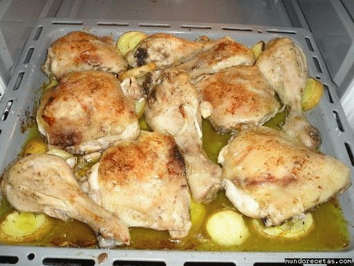 Muslos de pollo asados al limón