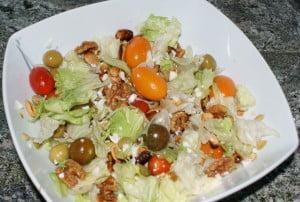 Ensalada con frutos secos y vinagreta