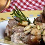 Receta e conejo con piñones