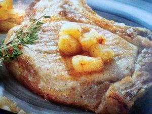 Chuleta de cerdo a la sidra con patatas