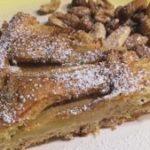 Pastel de manzana con frutos secos y muesli